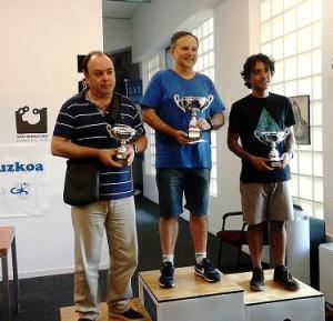 Podio del torneo:  GM Alfonso Romero Holmes, GM Roberto Cifuentes Parada y MI Diego del Rey (Foto: Gros XT)