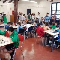 Bonita tarde de ajedrez en Saindua Gaztelekua hoy, con motivo del Zonal Bidasoaldea Txikis del Torneo Gaztedi - Kutxabank Fundazioa