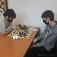 Victoria de nuestros tres jugadores en liza en la penúltima ronda de los campeonatos de Gipuzkoa. Y muchas actividades esta semana en nuestra escuela de ajedrez.