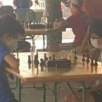 Vacaciones de verano y ajedrez: Los Tornay están en ItaliA y han participado en el fuerte Open Internacional de Spilimbergo. Y los Tafall que están particiapando en el Circuito Burgales de Verano, esta semana han tenido los torneos de Isar (online) y Belorado (Presencial)